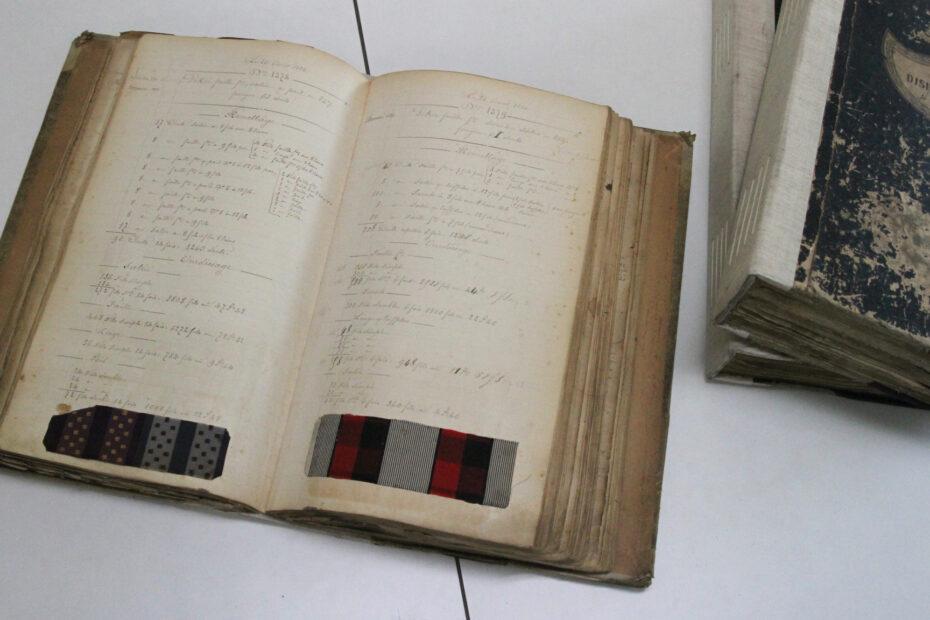 Pagine di archivio tessile